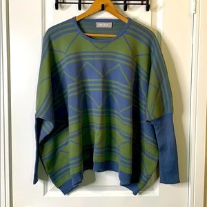 NWOT One Size Stylish Sweater